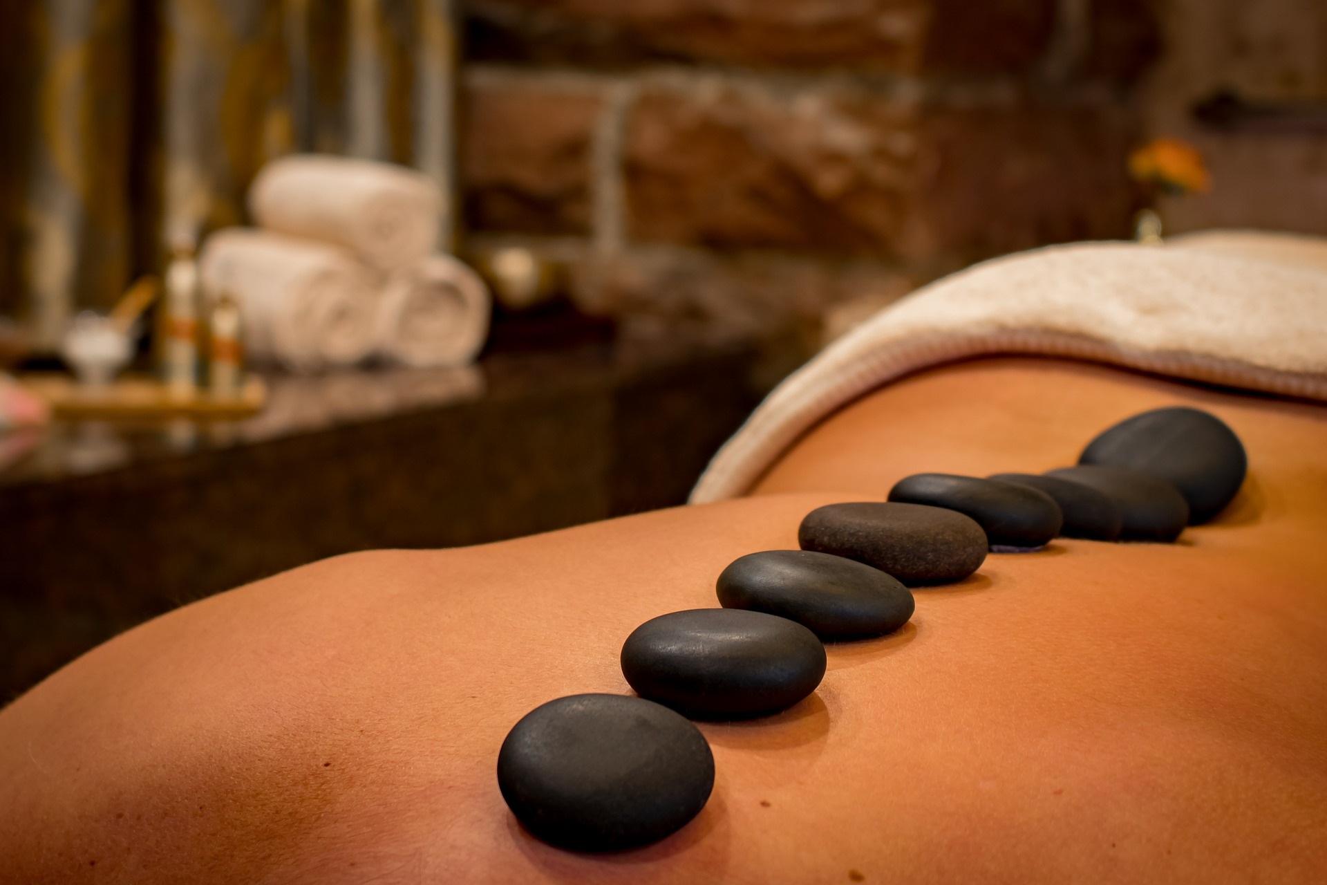 Massage aux pierres chaudes à Fondettes
